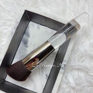 Trish mcevoy #96 Angled shaper foundation brush